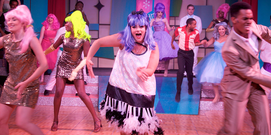 'Hairspray' an Irresistible Flood of Good Cheer